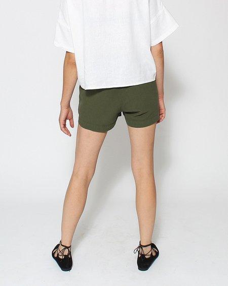 Me & Arrow Slub Cotton Shorts in Army