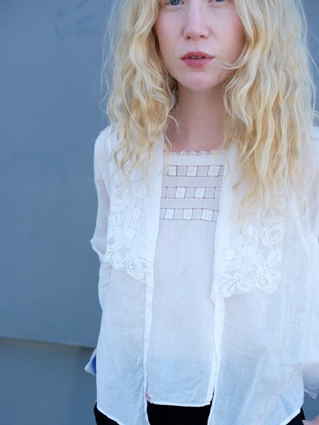 Shop Boswell VINTAGE 1910'S LACE COLLAR TOP