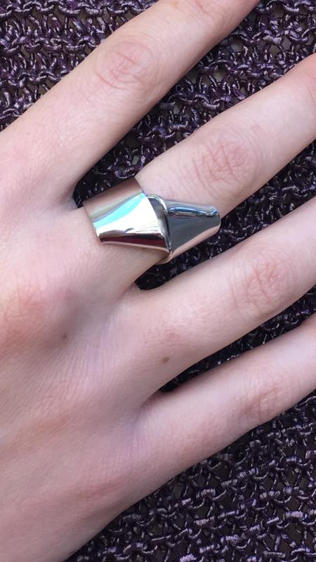 Oblik Atelier Bowtie Ring