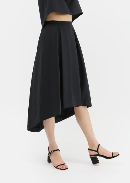Kaarem - Piece of Ring Pleated Midi Skirt