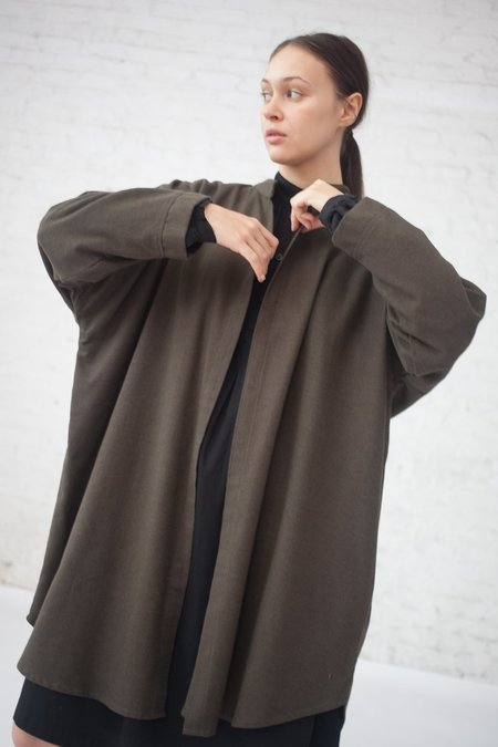 Black Crane Long Square Shirt in Charcoal
