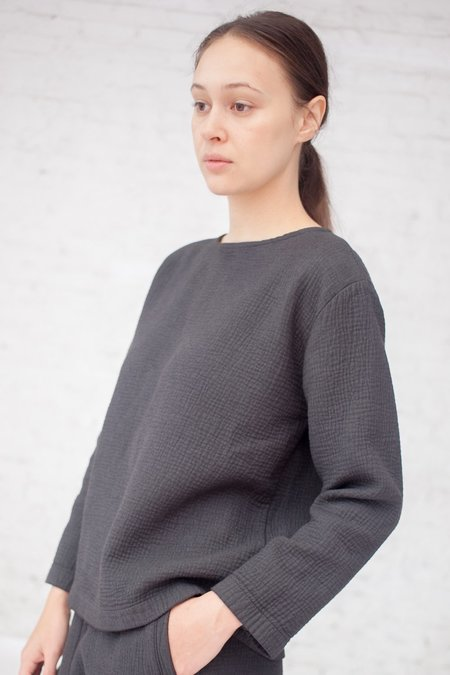 Black Crane Pullover in Charcoal