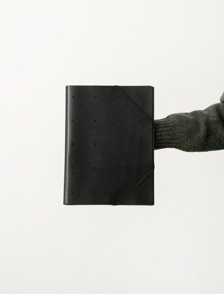 Isaac Reina 025 Perforated A4 Elastic Folder - Black