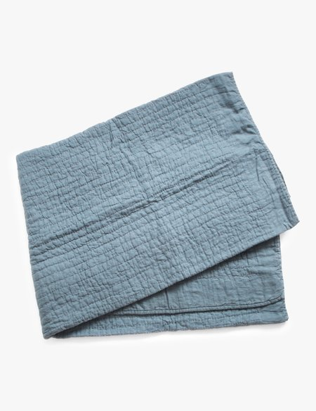 The Primary Essentials Natural Linen Quilt - Blue