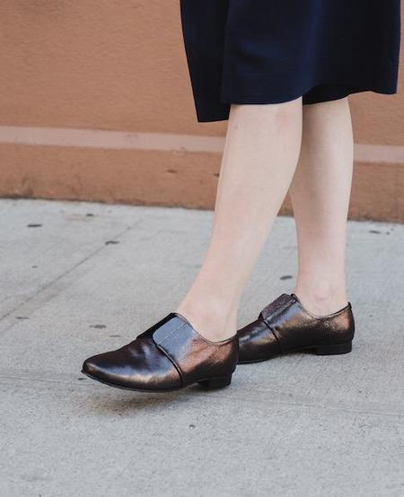 Coclico Itchi Flat in Pewter Leather