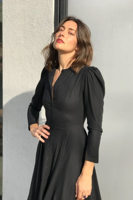 Town Clothes Rosa Dress in Black