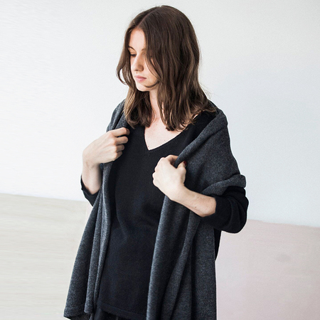 Bare Knitwear Travel Wrap - dark charcoal