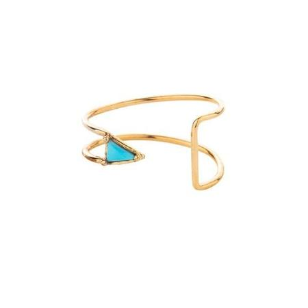 Mociun Curved Triangle Ring