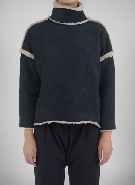 Priory Shop Que Sweater (Raw Seams) - Black Shearling