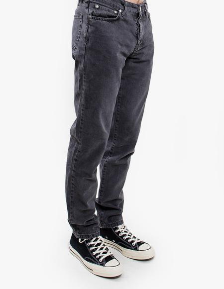 Han Kjøbenhavn Tapered Jeans - black stonewash