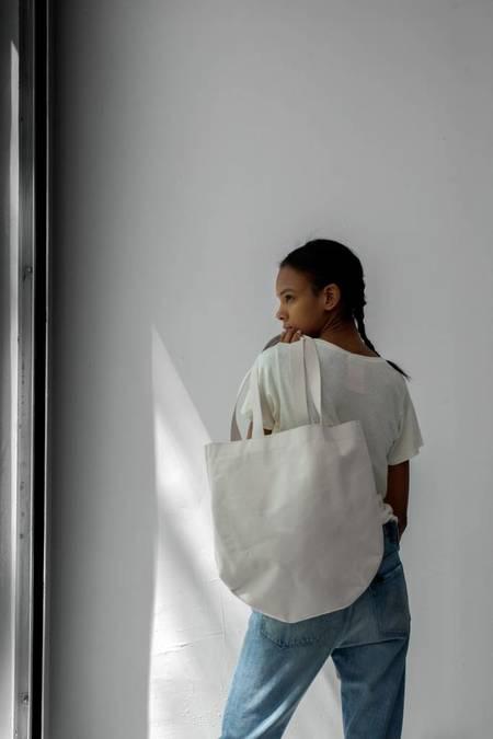 Sara Barner Canvas Thompson Bag
