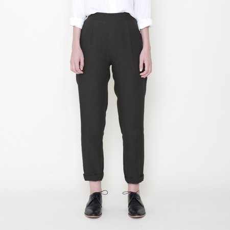 7115 by Szeki Signature Linen Relaxed Tapering Trouser - Black