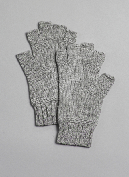 Grei Cashmere Fingerless Gloves In Fog