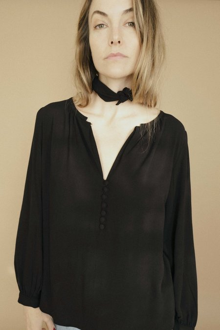 Maria Stanley ALMOND BLOUSE WITH NECK SCARF- NOIR